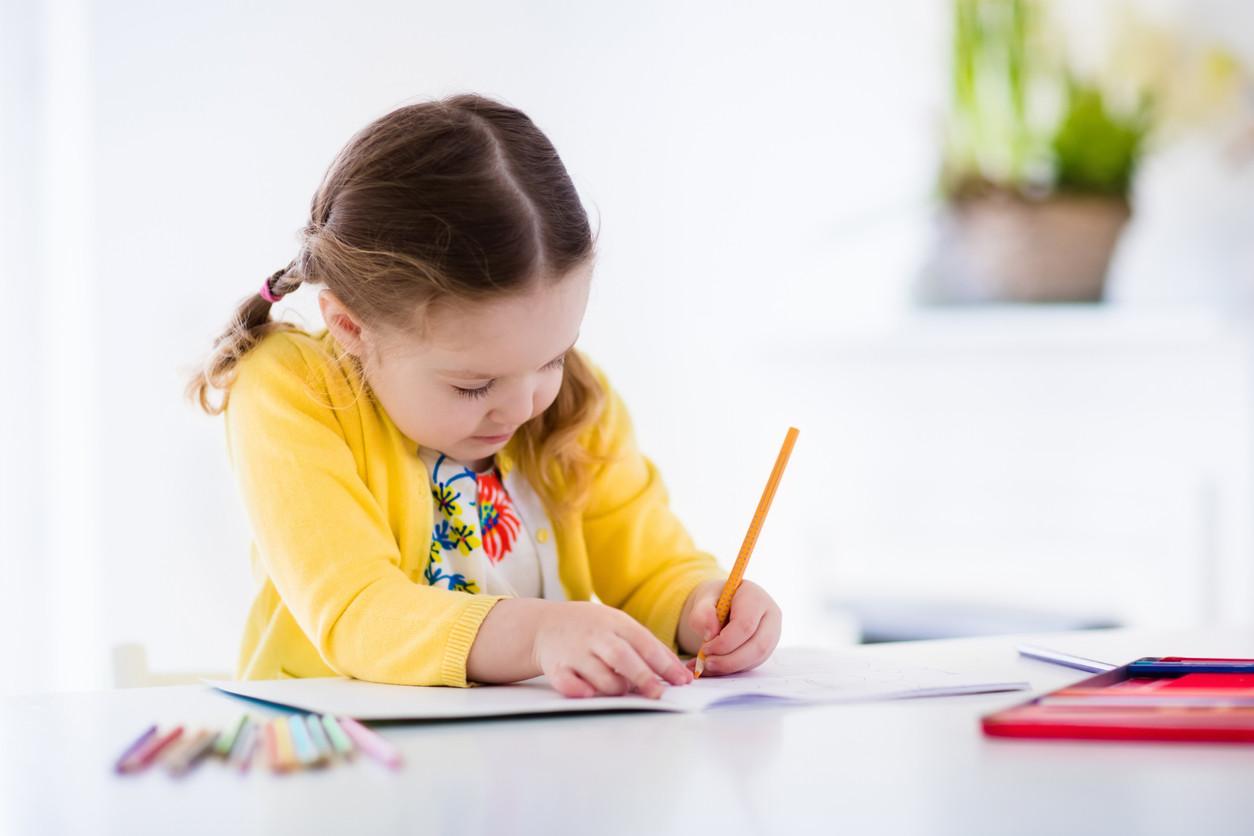 29 libros con actividades para hacer con niños en vacaciones, según su edad