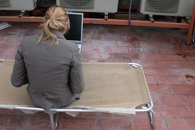 Protege tu conexión WiFi de una intrusión de algún vecino o cualquiera que pase por allí