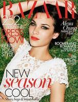 La apuesta al rojo sigue en las portadas de Vogue Japón y Harper's Bazaar Australia