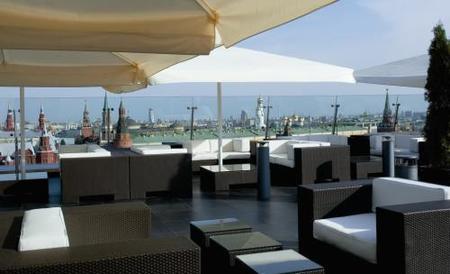La Plaza Roja vista desde el Lounge Bar O2 del Ritz-Carlton de Moscú