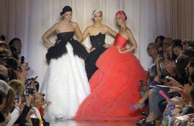 Giambattista Valli Alta Costura 2011/2012: debut impecable