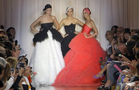 Giambattista Valli Alta Costura 2011/2012: debut impecable