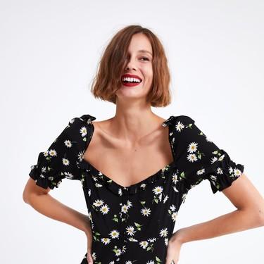 Estos dos vestidos florales que ha incluído Zara en su sección Special Price son todo lo que queremos para las vacaciones de Semana Santa