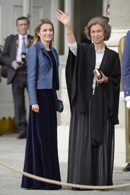 Doña Letizia con vestido de terciopelo