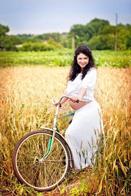 Ir en bici durante el embarazo, ¿cuándo está contraindicado?