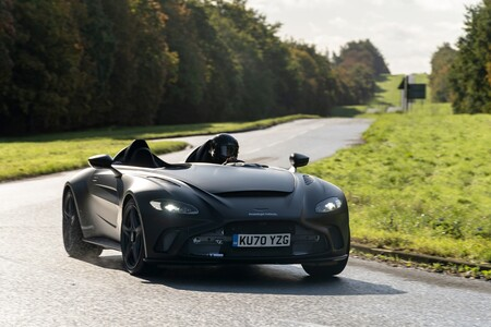 Aston Martin V12 Speedster 2021 002