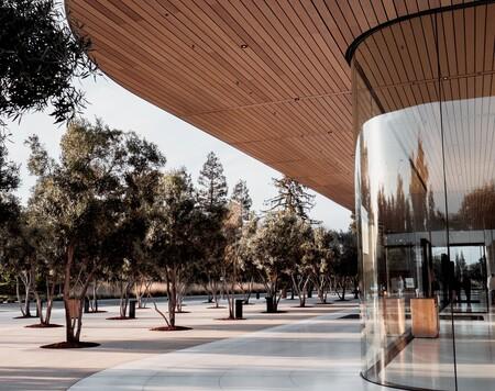 Vuelta a las oficinas en octubre, Apple da un mes más de trabajo en remoto a sus empleados, según Bloomberg