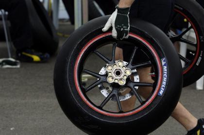 La normativa de neumáticos cambiará para 2008