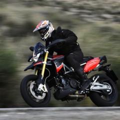 Foto 38 de 103 de la galería aprilia-dorsoduro-1200-mega-galeria-de-fotos-oficiales en Motorpasion Moto