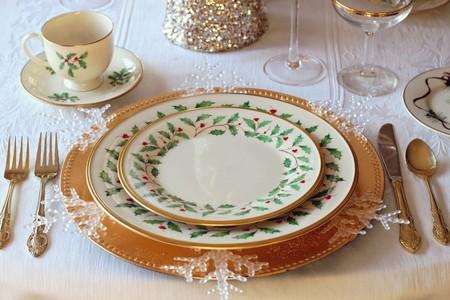 Nueve vajillas de fiesta para que tu mesa de Navidad luzca como se merece