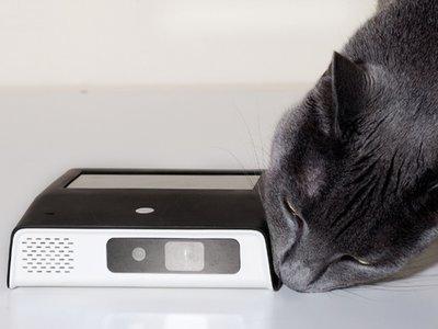 Odin2, un proyector LED con pantalla táctil y Android 6.0 para compartir los contenidos del móvil a lo grande