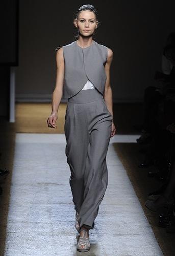 Yves Saint Laurent, Primavera-Verano 2010 en la Semana de la Moda de París III
