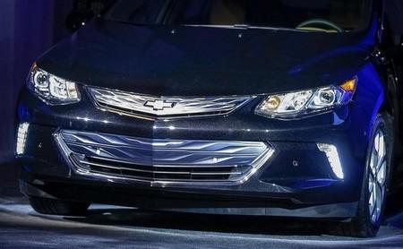 Conocemos la cara del Chevrolet Volt 2016 al tiempo que se especula con su tracción total
