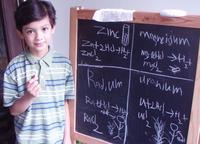 El químico más joven del mundo, con 6 años hizo su primer examen de química