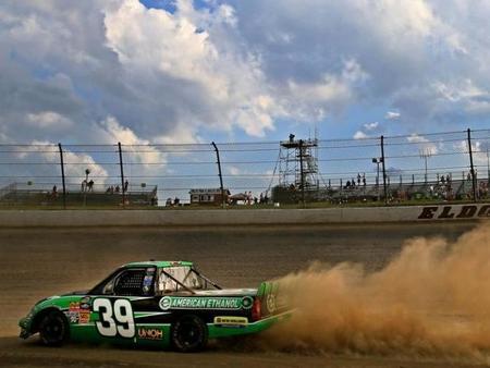 La NASCAR vuelve a los dirt-track