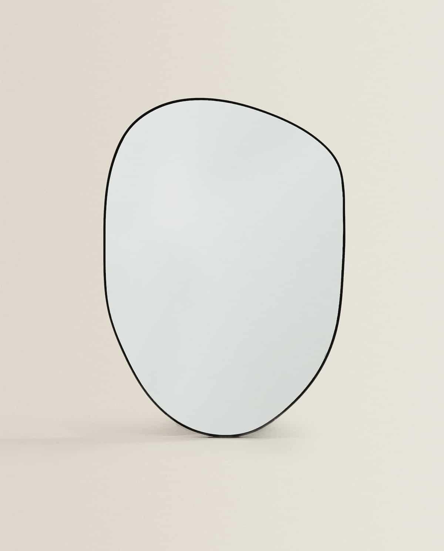Espejo irregular pequeño