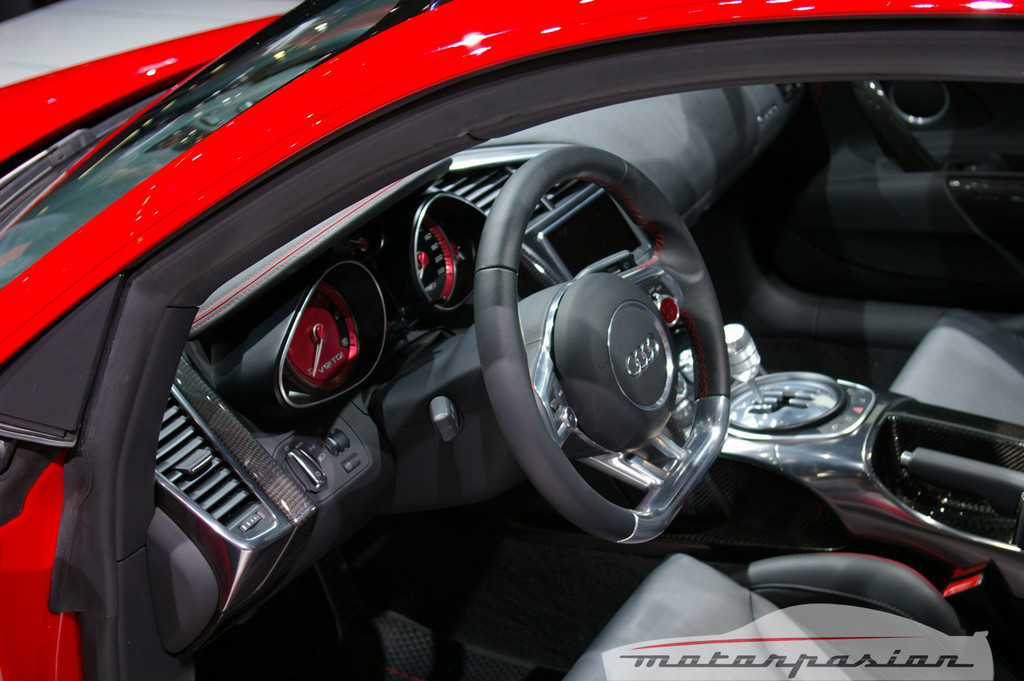 Foto de Audi R8 TDI Le Mans en el salón de Ginebra (13/19)