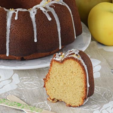 Bundt Cake de puré de manzana y limón. Receta para el Día Internacional del Bundt Cake