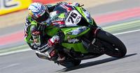 Superbikes Gran Bretaña 2012: Loris Baz al frente de una carrera épica