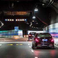 China ve espías en los coches autónomos y mientras, lastra el futuro de los motores de combustión