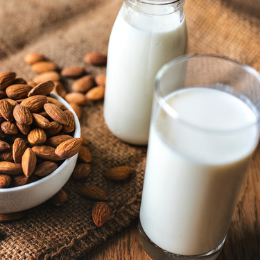La guía definitiva de las leches vegetales: qué variedades existen y cómo usarlas en la cocina
