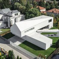 Descubramos Quadrant House, la casa moderna con estructura amovible más sorprendentes de la temporada