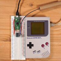 Jugar Tetris en Game Boy en línea es posible: así logró un youtuber conectar una placa y una Raspberry Pi para jugar en internet