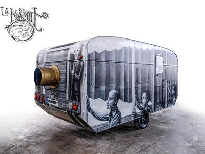 'La Mamut: Cámara oscura', una de las cámaras más grandes del mundo creada por un fotógrafo asturiano