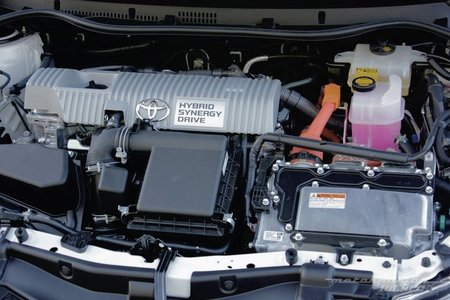 Toyota Auris Hybrid 2013