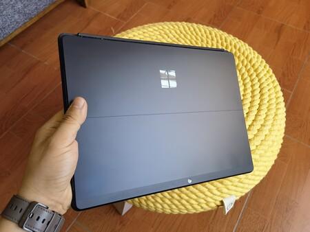 Surface Pro X La Hemos Probado Windows En Arm Es Una Realidad Pero Microsoft Necesita Apretar El Paso En Compatibilidad