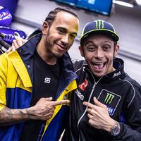 Valentino Rossi vs Lewis Hamilton: un duelo histórico sin fotos ni vídeos hasta que salga el documental