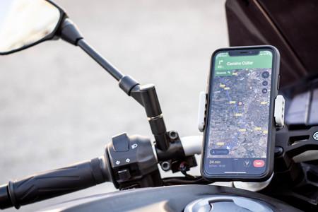 Google Maps vuelve a acercarse a Waze: empiezan a llegar el velocímetro y los avisos de límites de velocidad