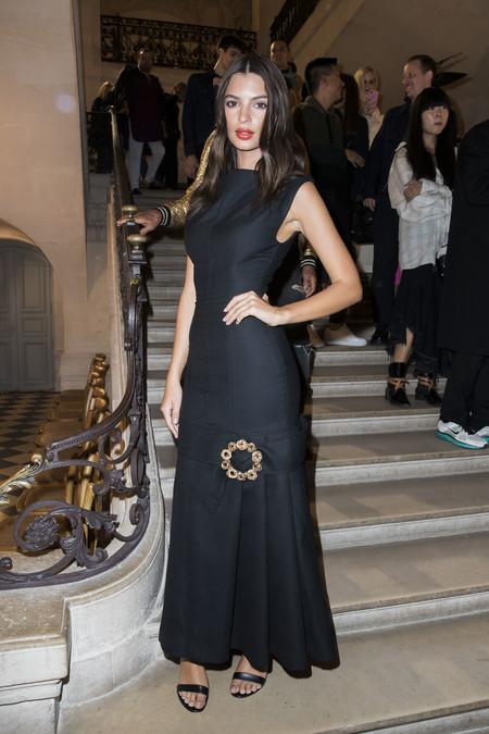 emily Ratajkowski look estilismo outfit paris jacquemus