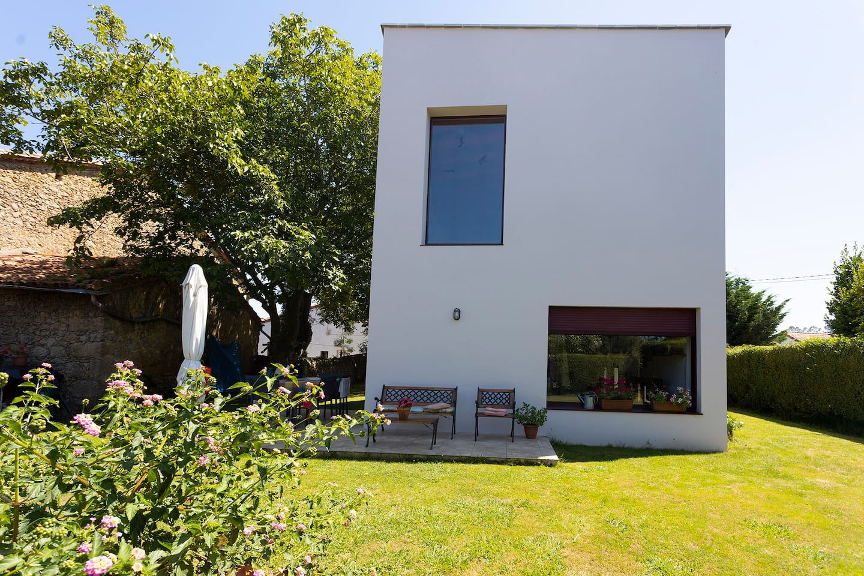 Casa para seis huéspedes en Comillas (Cantabria).