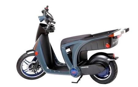 Scooter eléctrico Mahindra GenZe STS, prescinde de lo superfluo y prima lo práctico