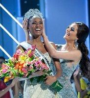 La angoleña Leila Lopes es Miss Universo 2011
