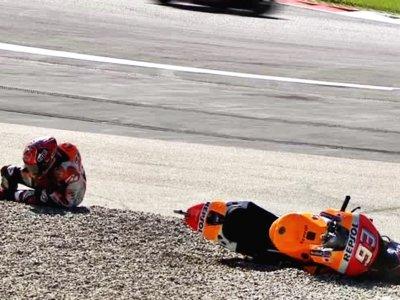 (ACTUALIZACIÓN) Marc Márquez sufre una dura caída en los libres, pero podrá correr en Austria