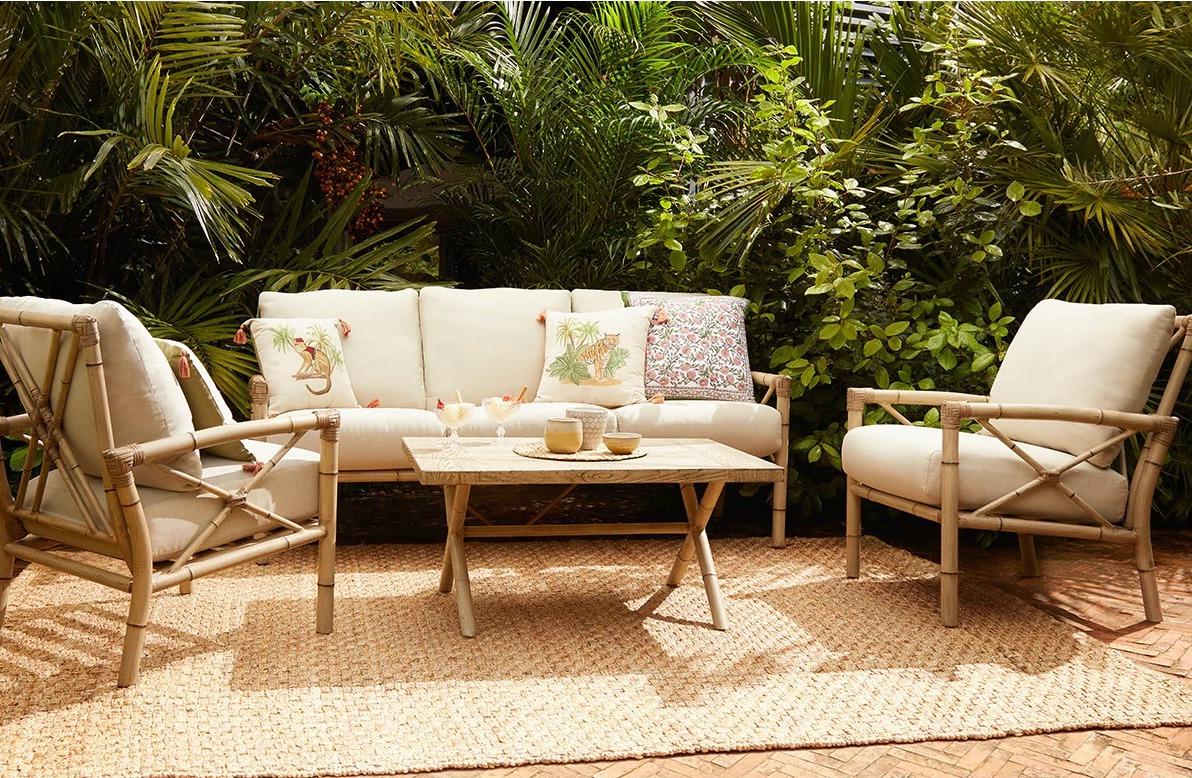 Set de jardín con mesa, sillones y sofá modelo Quenza