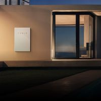 Holaluz se alía con Tesla para instalar sus Powerwall 2 en España