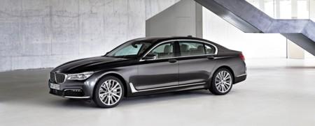 BMW Serie 7, totalmente nuevo y ahora también en versión híbrida enchufable