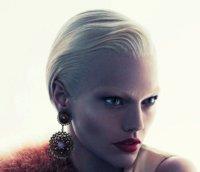 El poder de la mirada. Sasha Pivovarova brilla en la campaña Giorgio Armani Otoño-Invierno 2011/2012