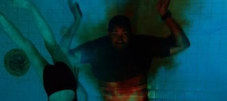 Dakota Fanning y Denzel Washington nadan juntos