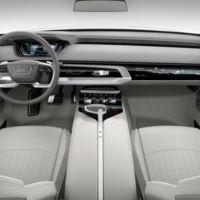 Mira el interior que se adapta a ti de un coche del futuro