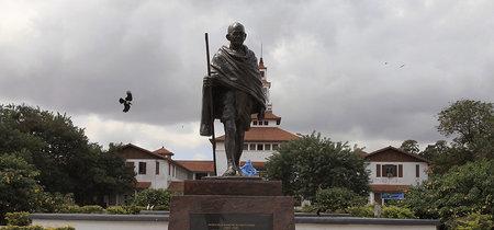 Los estudiantes de Ghana han conseguido que se retire una estatua de Gandhi por su pasado racista