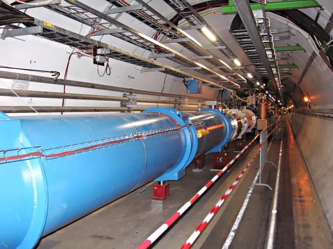Cern Lhc Tunnel1