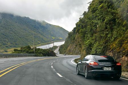 De 0 a 4,800 msnm en 14 fotos, una experiencia de Porsche con coordenadas 0° en el Ecuador