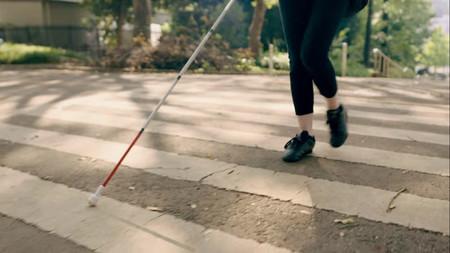 Google Maps comienza a añadir indicaciones por voz detalladas para ayudar a las personas con discapacidad visual