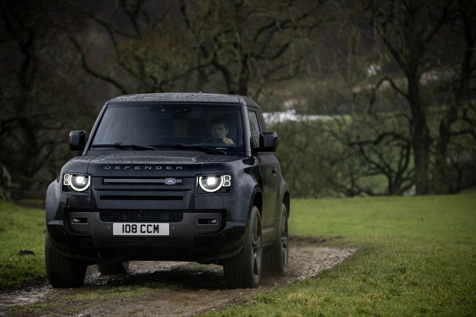 Foto de Land Rover Defender V8 (12/30)