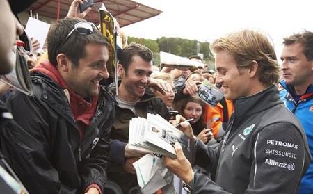 Nico Rosberg comienza al frente en Spa en una sesión dominada por los problemas técnicos