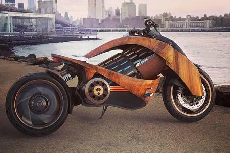 Esta moto eléctrica es de madera y pretende cambiar la movilidad con un planteamiento sostenible